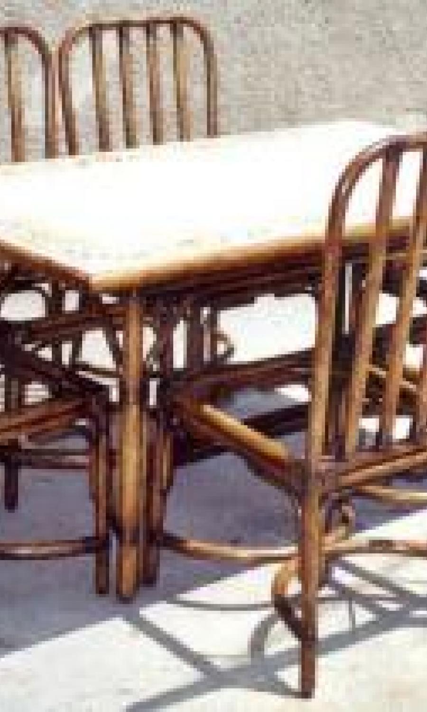 Tables en rotin