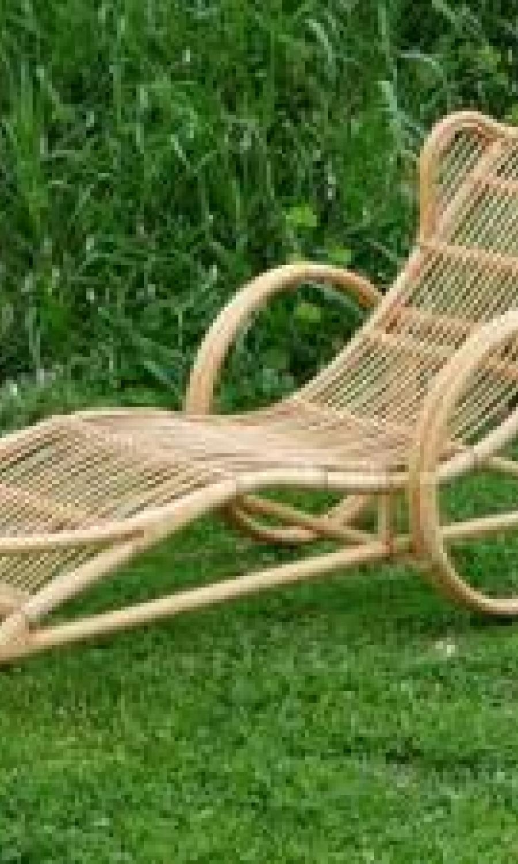 Chaises longues en rotin naturel