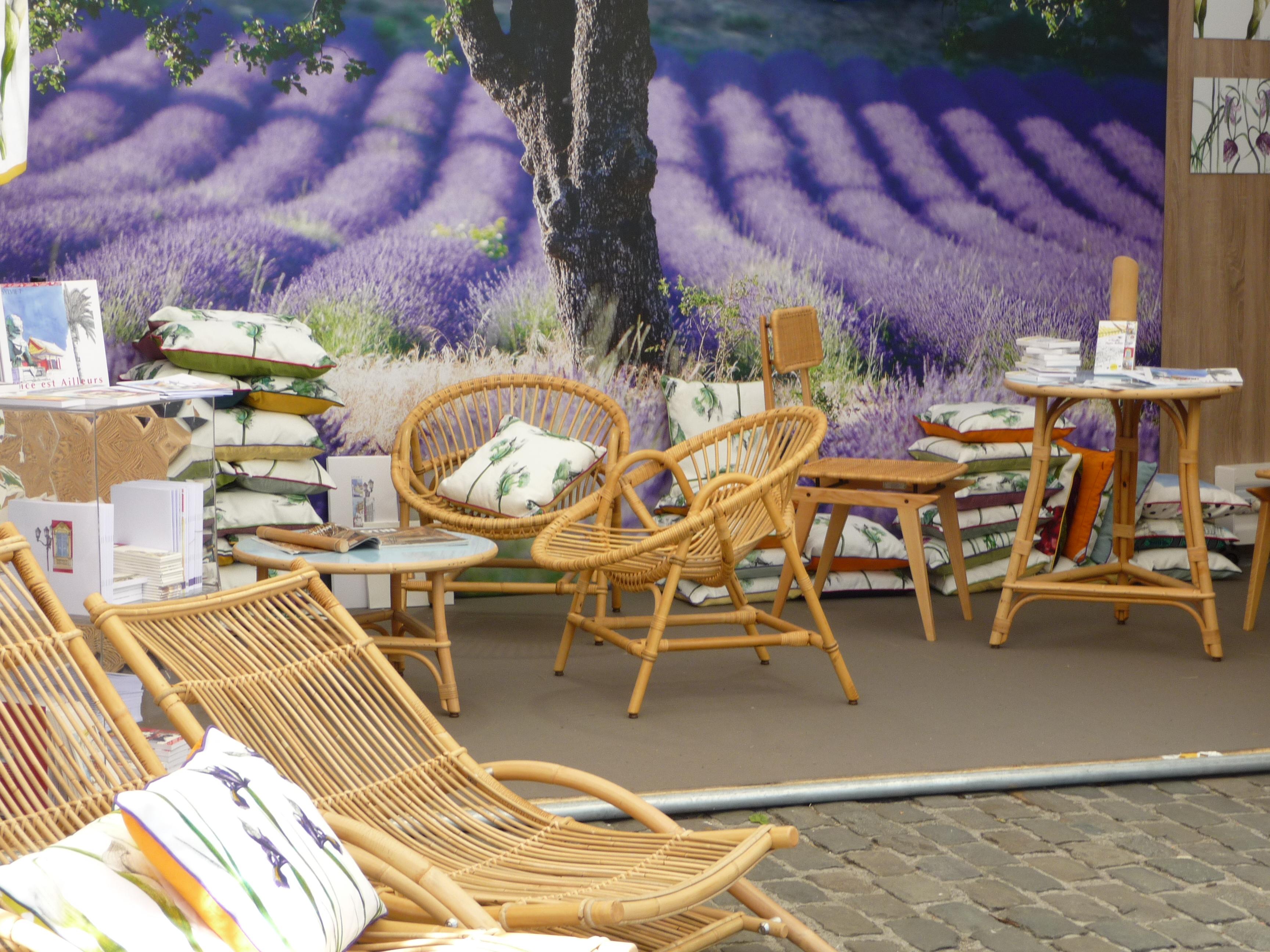 luxe chaise longue rotin id es de bain de soleil. Black Bedroom Furniture Sets. Home Design Ideas