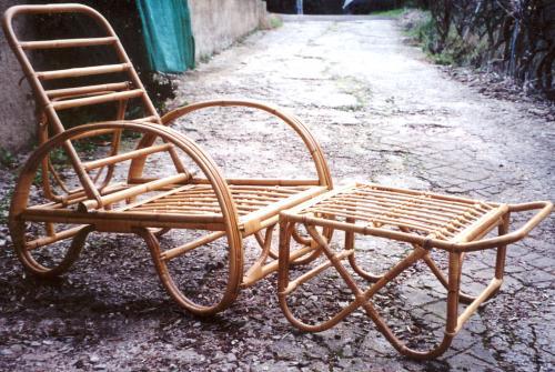 chaises longues en rotin naturel chaises longues nice 06. Black Bedroom Furniture Sets. Home Design Ideas